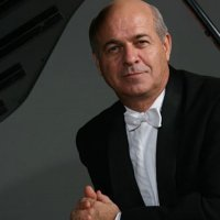 This Spring -  pianist Enrique Graf returns!